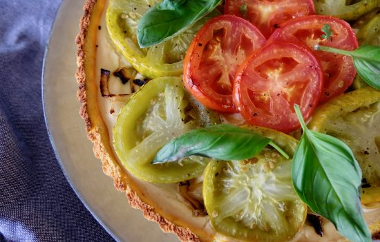 COLORED TOMATOES AND ONION TARTE